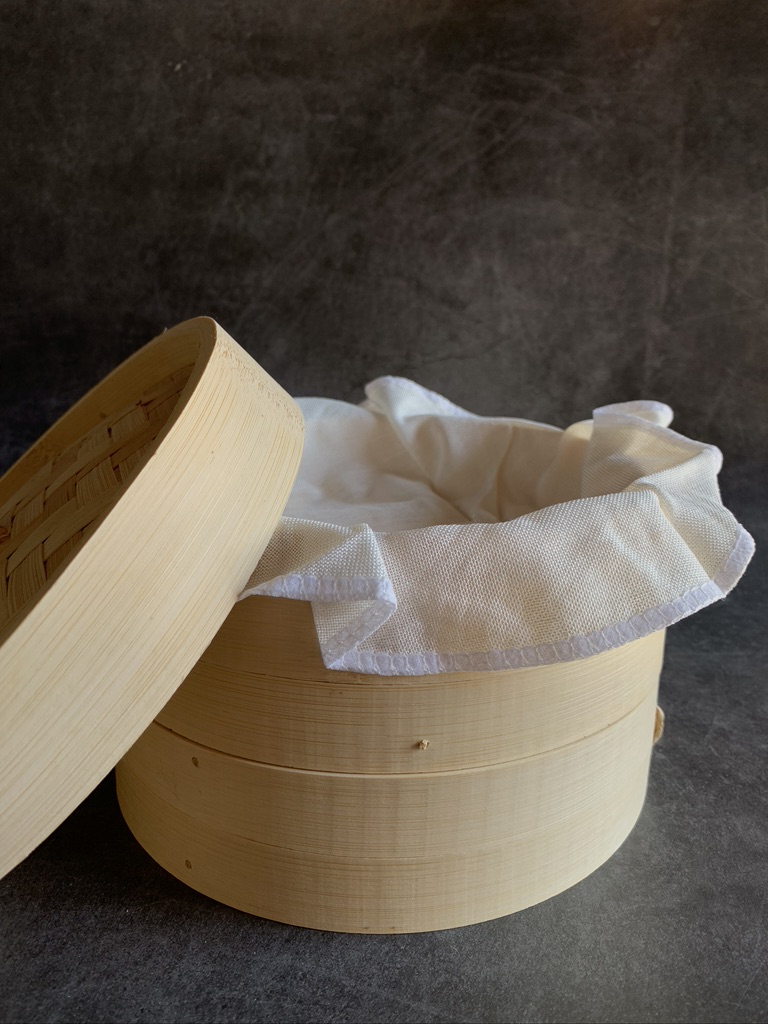 Bamboo Steamer with cloth liner